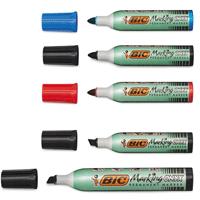 die passenden Stifte für die Arbeit am Flipchart verwenden