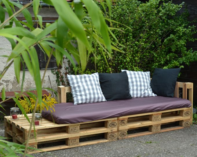 kreativ mit europaletten palettenm bel outdoor lounge. Black Bedroom Furniture Sets. Home Design Ideas